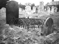 1000 images about graves on pinterest zombies vampires and adana. Black Bedroom Furniture Sets. Home Design Ideas