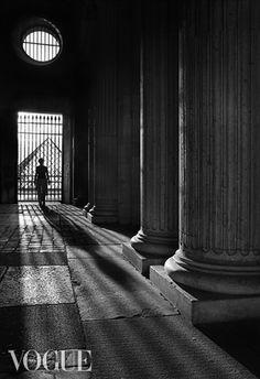 Illuminazione,Parigi, Louvre // Fabio Vittorelli  VOgUe