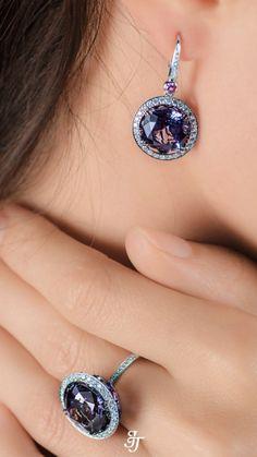 0.26 CT Blue Opal Stone 9k Solide Or Jaune Clous D/'Oreilles
