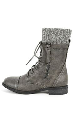 Be still my heart! In absolute LOVE with theese shoes Justina-58 Sweater Cuff Combat Boots GRAY 10 MakeMeChic http://www.amazon.com/dp/B00IYJGO7W/ref=cm_sw_r_pi_dp_m1rUwb1Q2VV4K