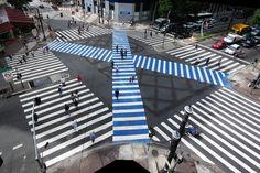 Pedestrian scramble in Avenida São João, 2014, São Paul #brasil #pedestrian #car #transit #diagonal