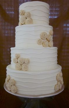 Ribbon roses Wedding - Buttercream with fondant flowers