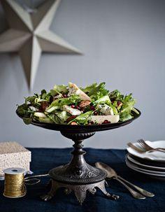 Granaattiomena-juustosalaatti