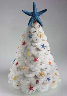 20+ Well Crafted Christmas Trees for Decoration (Imagine this one all white, without the little stars!