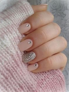 Nude nails with bling accent sparkle finger fun manicure art Silver Nails, Rhinestone Nails, Bling Nails, Nude Nails, Nail With Rhinestones, Bling Bling, Acrylic Nails, Gem Nails, Diamond Nails