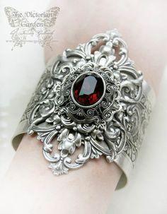 VICTORIA'S PASSION Victorian vintage gothic cuff bracelet
