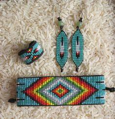 Native American Style Inspired Beaded by pachamamanativeart Native American Earrings, Native American Beadwork, Native American Fashion, Seed Bead Patterns, Beading Patterns, Beaded Rings, Beaded Jewelry, Bead Loom Bracelets, Bracelet Set