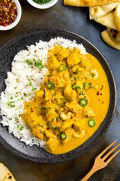 Chicken Korma - Big Indian Flavor - My chicken korma recipe is made with classic Indian ingredients and spices, with chicken marinated in korma paste and yogurt, then simmered with cream. Spicy Curry Recipe, Spicy Recipes, Chili Recipes, Curry Recipes, Cooking Recipes, Spicy Chili, Pepper Recipes, Vegetarian Cooking, Indian Chicken Recipes