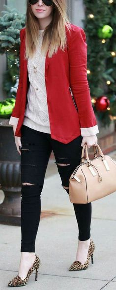 blazer outfit Perfect without the ripped jeans Perfekt ohne die zerrissene Jeans Red Blazer Outfit, Look Blazer, Blazer Fashion, Blazer Jacket, Red Flats Outfit, Fashion Boots, Office Outfits, Winter Outfits, Casual Outfits