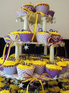 Cupcakes for Q and U Wedding