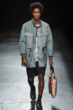 Catwalk photos and all the looks from Christopher Raeburn Spring/Summer 2016 Menswear London Fashion Week
