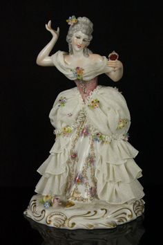 Antique Capodimonte San Marco Figurine Lady with Mirror