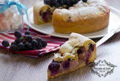 Una delle torte tipiche della cucina lombarda, più precisamente della città di Crema, è la deliziosa torta Bertolina, la cui protagonista è l'uva fragola!