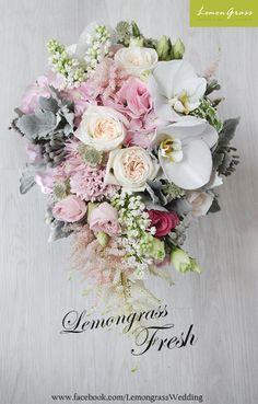 #freshflower #silkflower #lemongrssfloral #wedding #bouquet For order please Whatsapp 852-6182-9189 屯門青菱徑3號時尚電腦城 商場地庫B39號舖 www.facebook.com/LemongrassWedding