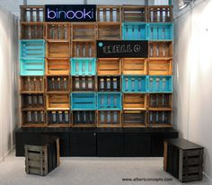 We turned rustic wooden wine boxes into a tradefair stand with pops of colour…