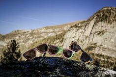Shooting in montagna con Riccardo Meneghini  Uptitude: eyewear recycling snowboards