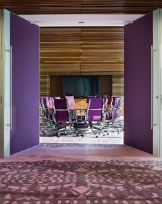 Room One Shelley Street Office Interior Design by Clive Wilkinson Architects Decor Photos Gallery Purple Office, White Office, Cool Office, Office Ideas, Small Office, Office Interior Design, Office Interiors, Corporate Interiors, Pantone