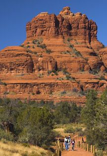 Bell Rock formation in Sedona AZ has amazing hiking trails Arizona Trip, Arizona Travel, Sedona Arizona, Camping And Hiking, Hiking Trails, Best Places To Travel, Places To See, Sedona Hikes, Visit Sedona