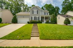 Silvergrove, Cary NC  marketed by Merry Ann Cutler,. RE/MAX United #cary #nc #homesforsale #forsale #merryanncutler #remax #video3d #walkthoughvideo #staged