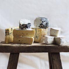 Cow Cheese, Milk And Cheese, Best Baked Potato, Blue Cheese Dressing, Italian Cheese, Goat Milk, Food Photography, Packing, Origins