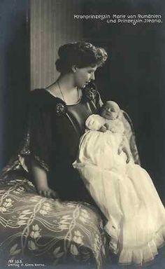 Crown Princess Marie with daughter, Princess Ileana of Romania, Princess Alexandra, Princess Beatrice, Princess Victoria, Queen Victoria, Lady Diana Spencer, Nostalgia, Royalty, Statue, Descendants