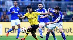 +++ BVB - Schalke live +++: 2:1 für Dortmund! Patzer von Keeper Fährmann - Ginter mit dem Kopf http://www.focus.de/sport/fussball/bundesliga1/bvb-schalke-live-revier-derby_id_5071294.html http://www.bild.de/bundesliga/1-liga/saison-2015-2016/borussia-dortmund-gegen-fc-schalke-04-am-12-Spieltag-41762872.bild.html