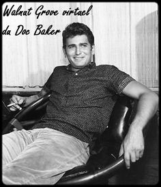 A young Michael Landon Jonathan Smith, Daddy I Love You, Ingalls Family, Teenage Werewolf, Michael Landon, Ladies Gents, First Tv, Interesting Faces, Rare Photos