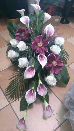 Więcej Pinów na Twoją tablicę Groby - Poczta - min side Grave Flowers, Altar Flowers, Cemetery Flowers, Church Flowers, Funeral Flowers, Silk Flowers, Funeral Floral Arrangements, Church Flower Arrangements, Beautiful Flower Arrangements