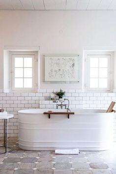 Rustic farmhouse style bathroom design ideas 53....use marine epoxy to paint galvanized tub