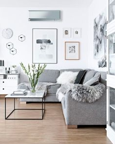 If you need to transform your living room for the better, try Scandinavian interior design. Here are some of the beautiful Scandinavian living room inspiration. Sofa Scandinavian, Scandinavian Interior Design, Grey Interior Design, Scandinavian Christmas, Interior Design Living Room 2018, White House Interior, Minimalist Scandinavian, My Living Room, Home And Living