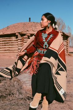 Pendleton is proud to unveil our blanket for The College Fund for Gift of the Earth. For over 20 years, Wieden+Kennedy, the American Indian College Fund, and Pendleton Woolen Mills have worke… Native American Beauty, American Indian Art, Native American History, American Indians, American Lady, Native American Tribes, American Apparel, Native Indian, Green Man