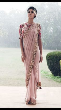 Gorgeous Pink And Champagne Gold Sari // With A Beautiful Floral Mid Sleeve Blouse // I Would Love To Own This India Fashion, Ethnic Fashion, Asian Fashion, Chiffon Saree, Indian Attire, Indian Ethnic Wear, Indian Style, Indian Dresses, Indian Outfits
