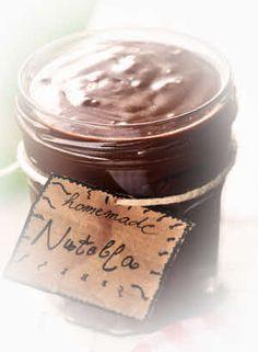 Veganes Nutella ® - ganz leicht selbstgemacht! Veganes Nutella ® /Nuss-Nougatcreme – Gesund und du bestimmst die Zutaten. Einfach vegan, lecker und gesund✔