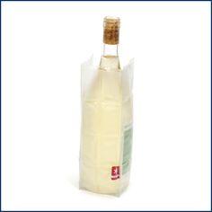 """Je heißer es wird, desto kreativer wird man. Der """"coole"""" faltbare Flaschenkühler lässt sich perfekt um Wasserflaschen oder Gläser machen. So bleibt das Getränk auch im Büro schön kalt. ❄️ Für's Picknick natürlich auch praktisch. Der faltbare #Flaschenkühler ist hier im #Feingefuehlshop erhältlich: http://feingefühl-shop.de/haus-und-hof/kueche/42/faltbarer-flaschenkuehler"""
