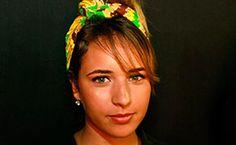 Selecionamos algumas fashionistas que passaram pelo Fashion Rio Inverno 2013 com o acessório na cabeça.