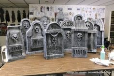 How To: Chunky Tombstones {Stalloween}.. he has some AMAZING pieces and fantastic tutorials