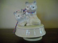 2 Kittens Music Box