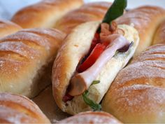 Thebaguetter Bread Recipes, Cooking Recipes, English Food, Hot Dog Buns, Baguette, Scones, Delish, Brunch, Food And Drink