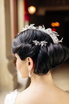 Seriously gorgeous #updo. Photography: Trent Bailey Photography - trent-bailey.com, Hair And Make-up: Facetime Beauty - http://facetimebeauty.com  Read More: http://www.stylemepretty.com/2014/07/01/elegant-wedding-inspiration-at-weylin-b-seymours/