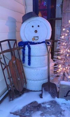 Creative ideas diy adorable snowman decor from old tires for Snowmen made from tires