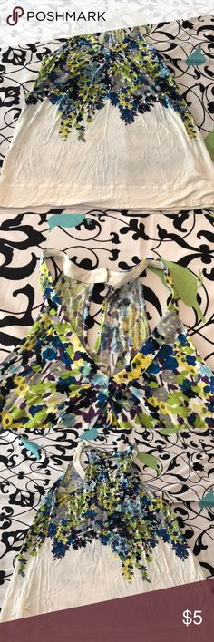 American Eagle size xs Has been worn but still in good shape size xs American Eagle Outfitters Tops