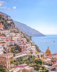 Amalfi Coast Italy, Sorrento Italy, Naples Italy, Beautiful Places To Travel, Romantic Travel, Amazing Places, Travel Aesthetic, Italy Travel, Italy Vacation