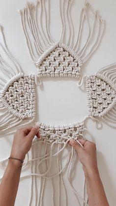 Macrame Mirror, Macrame Curtain, Boho Style, Boho Chic, Crochet Baby, Crochet Top, Boho Designs, Macrame Projects, Macrame Tutorial