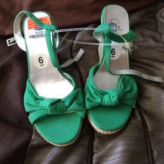 New❤️ wedges NewGreen wedges with cream color heel. Shoes Wedges