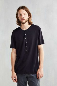 Strand Sullivan Henley Tee - Urban Outfitters