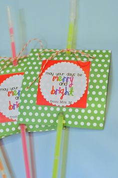 "The Techy Teacher: ""Merry and Bright"" -- Student Gifts - glowsticks! Student Christmas Gifts, Student Gifts, Xmas Gifts, Kids Christmas, Craft Gifts, Cute Gifts, Teacher Gifts, Merry Christmas Tag, Preschool Christmas Gifts For Classmates"
