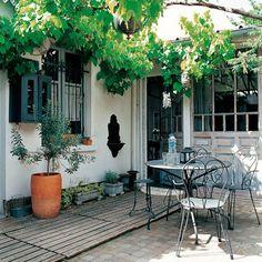 Courtyard Garden: Decorating Ideas: Interiors