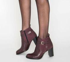 96 meilleures images du tableau Chaussures   Shoe, Heels et Shoes heels e72bc4ae30f