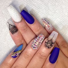 Matte blu nails
