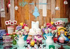 Festa Alice no País das Maravilhas: decoração original e charmosa!